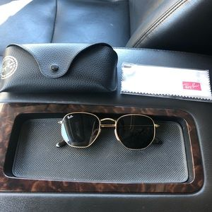 Barely used RayBan Hex glasses UNISEX
